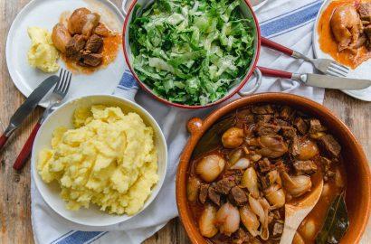 Griechischer Eintopf mit Kartoffelpueree