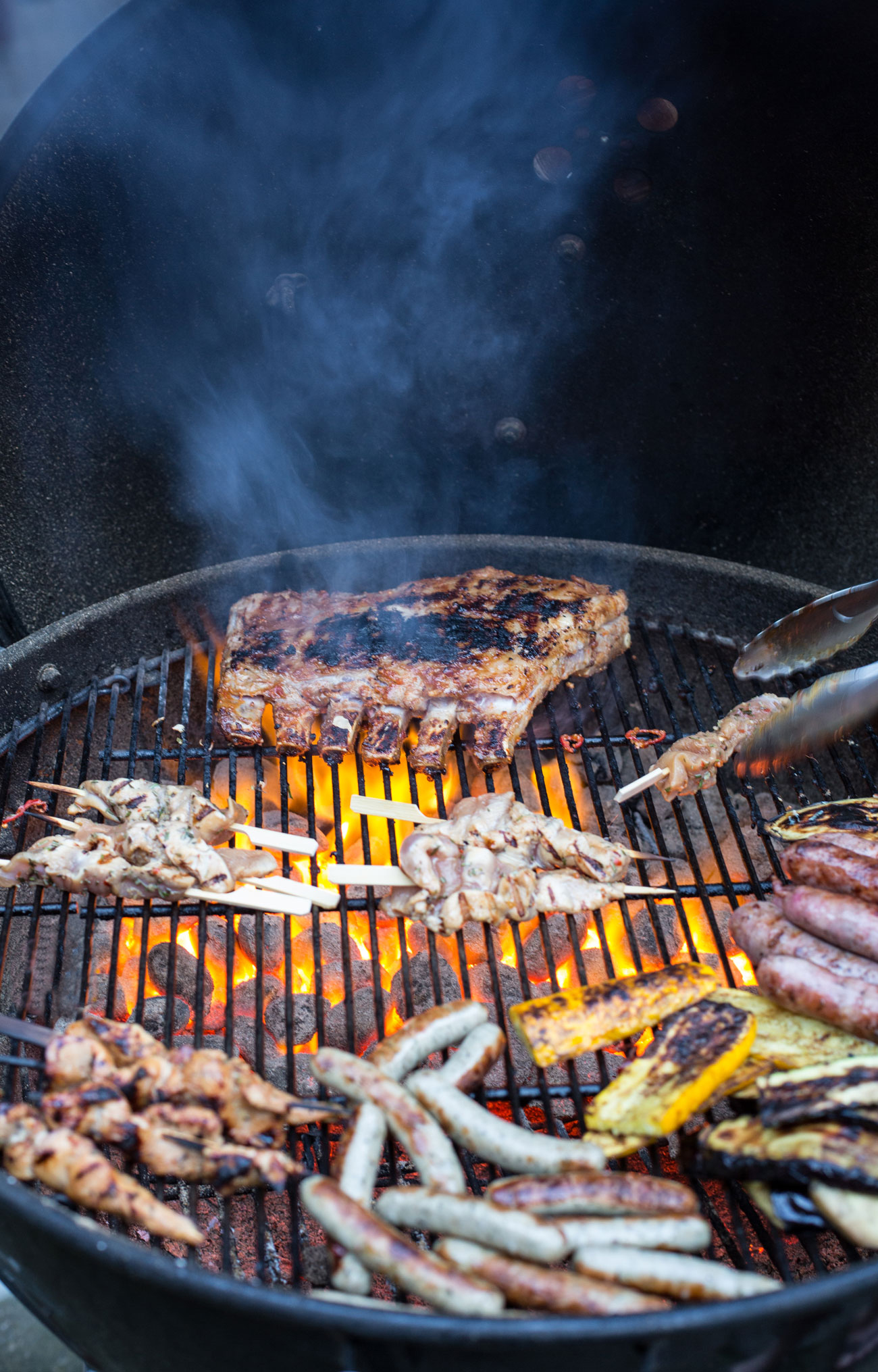 grillen-held-am-herd