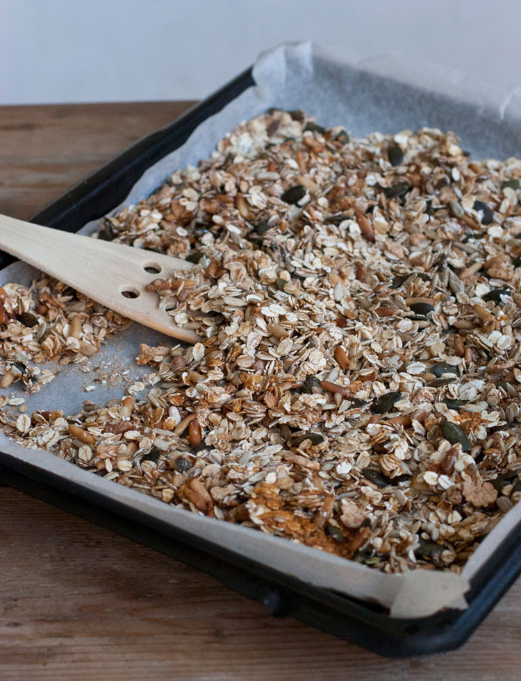 homemade-muesli-held-am-herd
