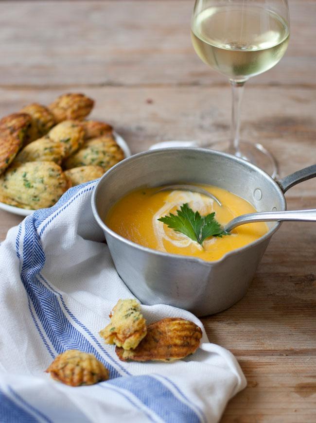 kürbissuppe-mit-lauch-polenta-madeleines