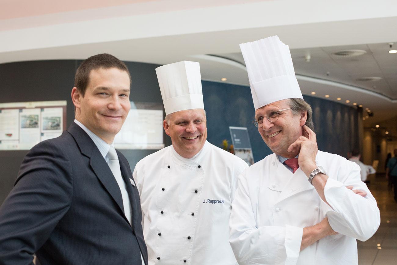 Food and Beverage Director Jean-Grég d'Amman, Herr Rupprecht und Küchendirektor Klaus Böhler