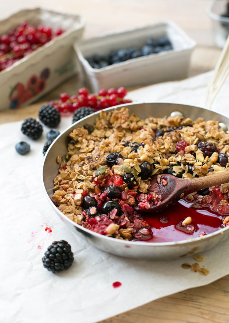 pots-and-pans-all-clad-held-am-herd-crumble-4