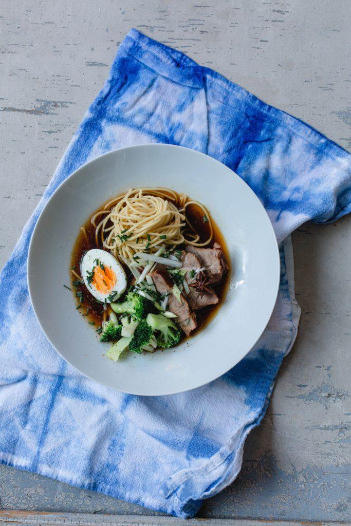 Die ramen soulfood suppe mit der wir den unendlichen winter berstanden haben heldamherd - Eier kochen ohne anstechen ...